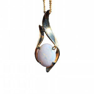 BUSTING BLOOMERS 18kt GOLD PLATED NATURAL SOLID AUSTRALIAN WHITE OPAL NECKLACE