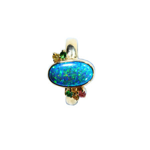 EXCITED BOUTIQUE 18KT GOLD NATURAL AUSTRALIAN BLACK OPAL & SAPHIRE OPAL RING