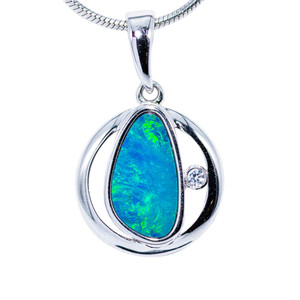 MULTIVERSE GREEN FLASH STERLING SILVER FIRE AUSTRALIAN BLACK OPAL NECKLACE
