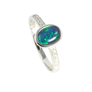 HAWAII PASSION STERLING SILVER AUSTRALIAN OPAL RING