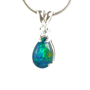 ALLURING OPAL ABYSS  STERLING SILVER BLACK AUSTRALIAN OPAL NECKLACE