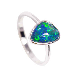 ELECTRIC CRYSTAL STERLING SILVER AUSTRALIAN BLACK OPAL RING