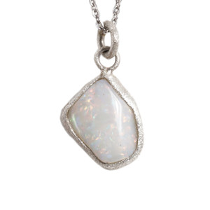 MATTERHORN MOUNTAIN AUSTRALIAN WHITE OPALIZED SHELL NECKLACE