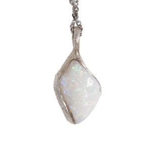 ELECTRIC CRADLE AUSTRALIAN WHITE OPALIZED SHELL NECKLACE
