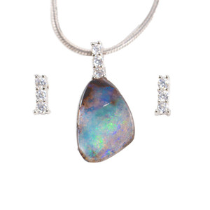 A WONDEROUS ADVENTURE STERLING SILVER NATURAL AUSTRALIAN SOLID BOULDER OPAL NECKLACE