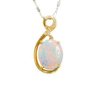 A WOMAN'S MAGESTY 14KT GOLD & DIAMOND NATURAL AUSTRALIAN WHITE OPAL NECKLACE