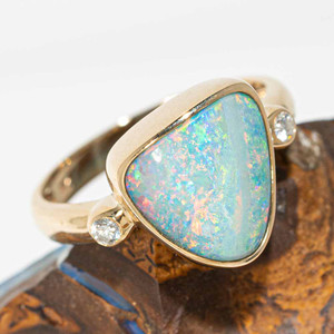 ELECTRIC RAINBOW 14KT GOLD AND DIAMOND NATURAL AUSTRALIAN OPAL RING