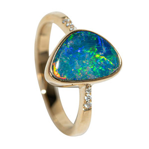 1 HOLOGRAM GARDEN 14KT GOLD AND DIAMOND NATURAL AUSTRALIAN OPAL RING