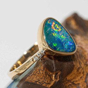 HOLOGRAM GARDEN 14KT GOLD AND DIAMOND NATURAL AUSTRALIAN OPAL RING