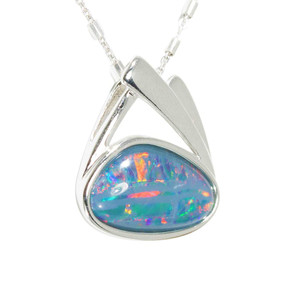 1 HOLIDAY ADVENTURE STERLING SILVER AUSTRALIAN BLACK OPAL NECKLACE