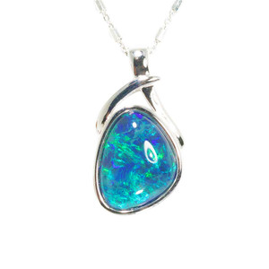 ELECTRIC ALLIE STERLING SILVER AUSTRALIAN BLACK OPAL NECKLACE