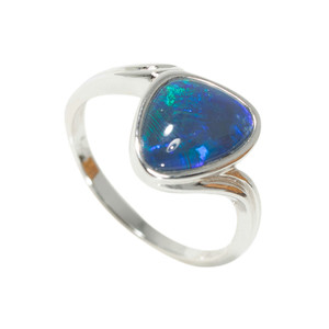 EARTH'S PEACE STERLING SILVER AUSTRALIAN BLACK OPAL RING