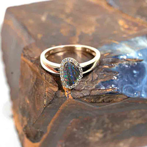PRISMATIC ZEBRA 14KT YELLOW GOLD & DIAMOND SOLID AUSTRALIAN OPAL RING
