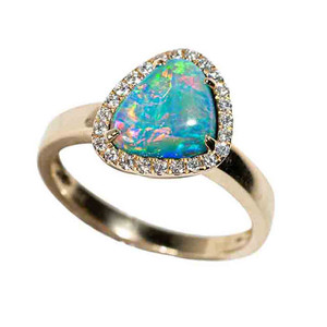 1 ALURRING COSMO 14KT YELLOW GOLD & DIAMOND AUSTRALIAN OPAL RING