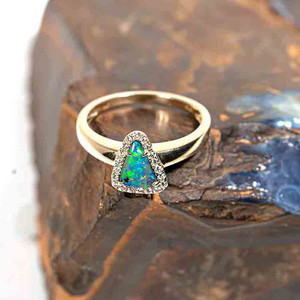 SPEED OF LIGHT 14KT YELLOW GOLD & DIAMOND SOLID AUSTRALIAN OPAL RING