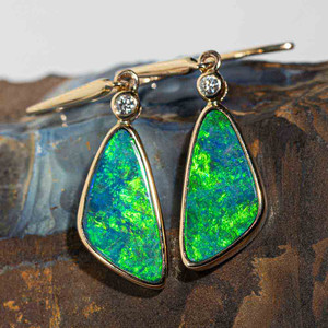 1 ELECTRIC OCEAN DREAM 14KT YELLOW GOLD AND DIAMOND AUSTRALIAN OPAL DROP EARRINGS