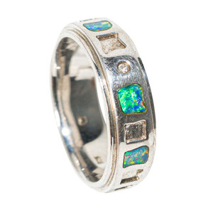 HOPSCOTCH TO PARADISE STERLING SILVER AUSTRALIAN OPAL RING