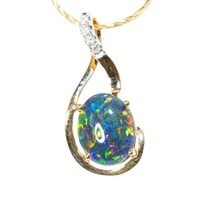 1 GLOW FROM WITHIN 14KT YELLOW GOLD & DIAMOND AUSTRALIAN OPAL NECKLACE