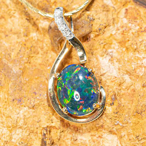 GLOW FROM WITHIN 14KT YELLOW GOLD & DIAMOND AUSTRALIAN OPAL NECKLACE