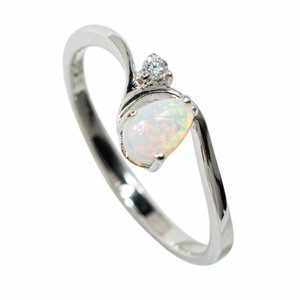GLIMMER AND GLOW STERLING SILVER SOLID AUSTRALIAN WHITE OPAL RING