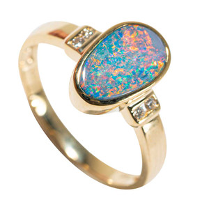 DREAMERS PARADISE 14KT YELLOW GOLD & DIAMOND AUSTRALIAN OPAL RING