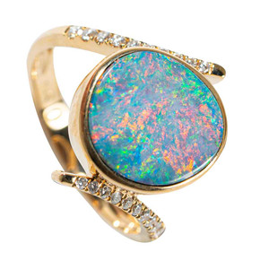 GOLDEN DREAM 14KT YELLOW GOLD & DIAMOND AUSTRALIAN OPAL RING