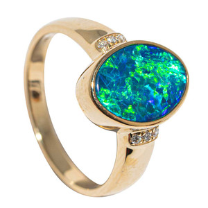 A NEON WANDERLUST 14KT YELLOW GOLD & DIAMOND AUSTRALIAN OPAL RING