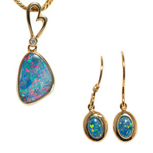 COSMIC WAVE 14KT YELLOW GOLD & DIAMOND AUSTRALIAN OPAL JEWELLERY SET