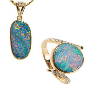 SKY SURPRISE 14KT YELLOW GOLD & DIAMOND AUSTRALIAN OPAL JEWELLERY SET