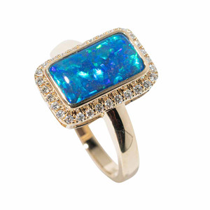 1 GOLDEN MOONDUST 14KT YELLOW GOLD & DIAMOND AUSTRALIAN OPAL RING