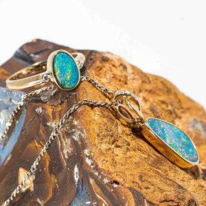 BIG CITY DREAMS 14KT YELLOW GOLD & DIAMOND AUSTRALIAN OPAL JEWELLERY SET