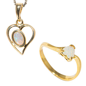LOVE SHACK 18KT YELLOW GOLD PLATED AUSTRALIAN WHITE OPAL JEWELLERY SET