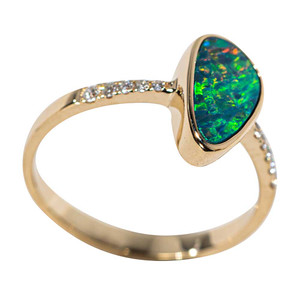 NEON ELECTRIC 14KT YELLOW GOLD & DIAMOND AUSTRALIAN OPAL RING