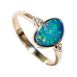 LOVELY SOUL 14KT YELLOW GOLD & DIAMOND AUSTRALIAN OPAL RING