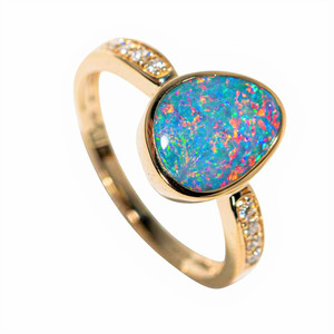 ALWAYS LOVED 14KT YELLOW GOLD & DIAMOND AUSTRALIAN OPAL RING