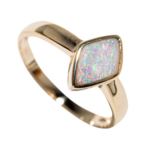 * MAGICAL INSPIRATION 14KT YELLOW GOLD AUSTRALIAN CRYSTAL OPAL RING