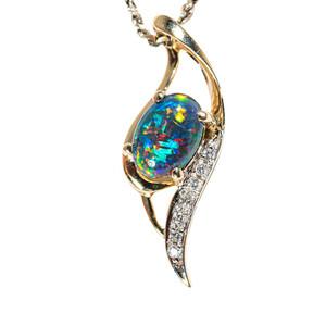 A JOLLY SPARROW 14KT GOLD & DIAMOND AUSTRALIAN OPAL NECKLACE