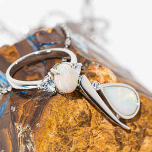 ESCAPE STORY STERLING SILVER NATURAL AUSTRALIAN WHITE OPAL JEWELLERY SET