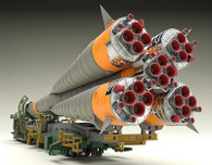 1/150 Plastic Model Soyuz Rocket & Transport Train