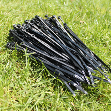 Packet of 100 cable ties. These are used to connect the mesh to the brackets and can also be used to connect sections of mesh to one another.