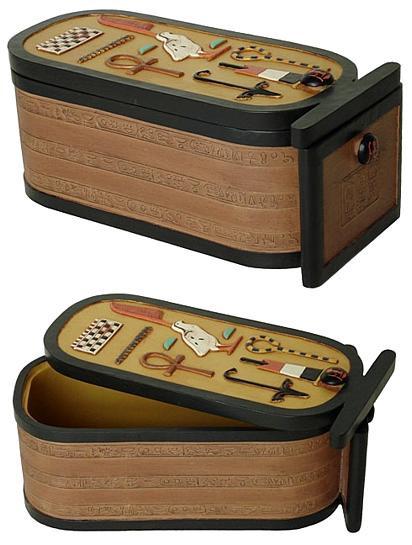 Cartouche box of King Tut : Egyptian Museum, Cairo Dynasty XVIII, 1347-1237 B.C. - Photo Museum Store Company