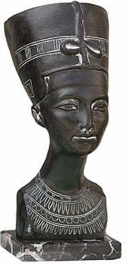 Bust of Queen Nefertiti :  Dahlem Museum, Berlin. 18th Dynasty 1365 B.C. - Photo Museum Store Company