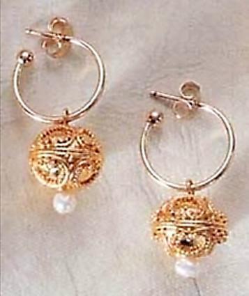 Heart Motif Bead & Pearl Earrings, vermeil - Photo Museum Store Company