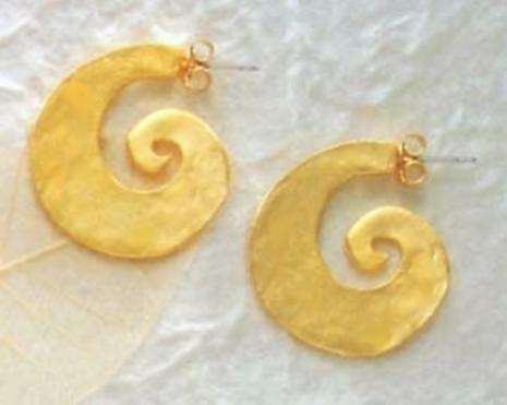 Tang Earrings - Chinese, 6th - 9th Centuries from the collection of The Minneapolis Institute of - Photo Museum Store Co