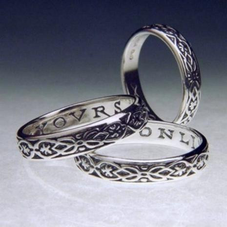 Yovrs Onli Ring (Yours Only) : English 15th Century - Posey & Inscribed Ring - Photo Museum Store Company