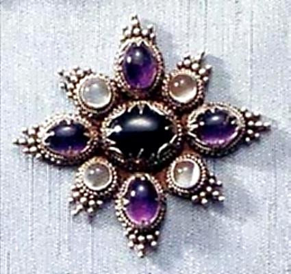 Carolingian Nine Stone Brooch - 9th Century, The Pierpont Morgan Library - Photo Museum Store Company