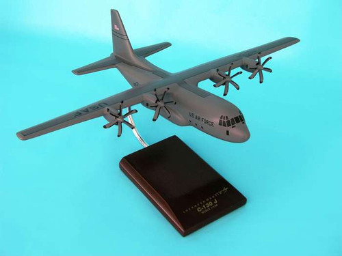 C-130j Hercules 1/100  - United States Air Force (USA) - Museum Company Photo