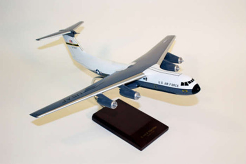 C-141a USAF Starlifter 1/100  - United States Air Force (USA) - Museum Company Photo