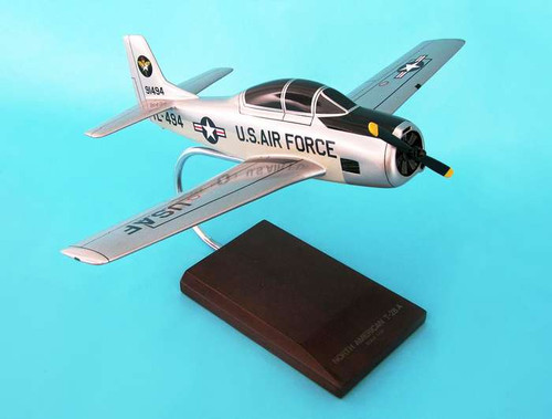 T-28a Trojan USAF 1/32  - United States Air Force (USA) - Museum Company Photo
