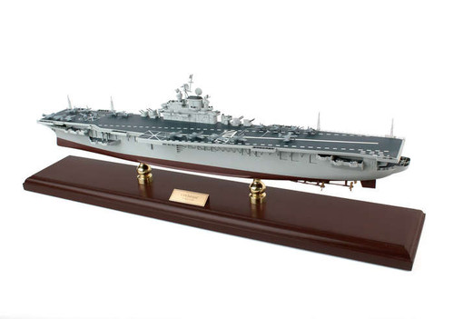 Uss Intrepid Aircraft Carrier 1/350  - US Navy (USA) - Museum Company Photo